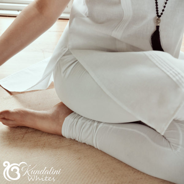 Traditional yoga tunic in 100% linen