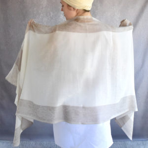 Cashmere wrap in cream and beige