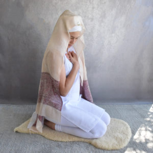 Palla stole in cream and pink